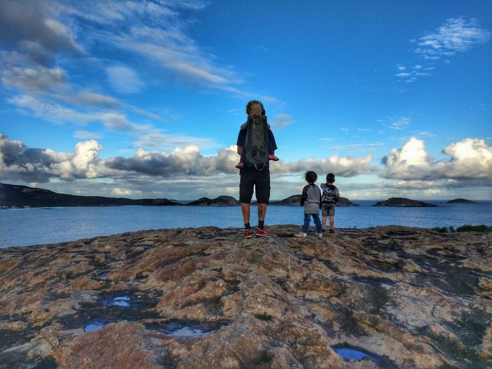 Австралийская семья продала дом и путешествует по стране