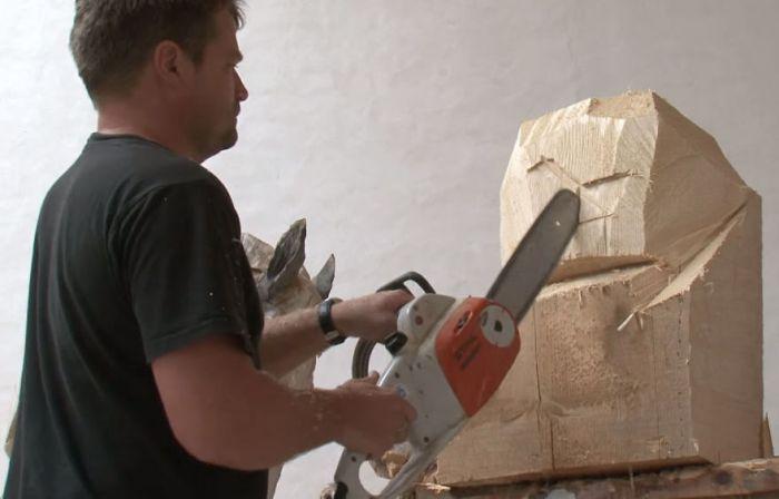 Удивительные работы от мастера резьбы по дереву бензопилой