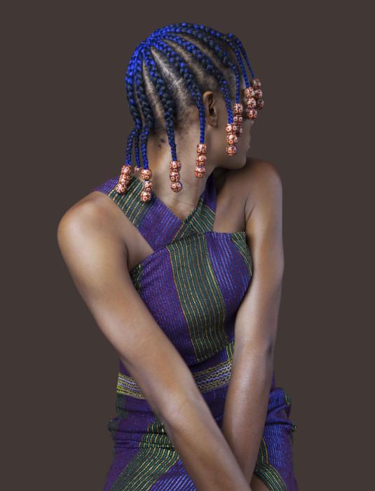 Необычные яркие прически женщин из Нигерии