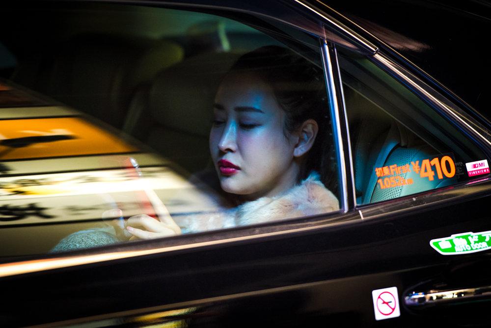 Мир ночных таксистов Токио от Олега Толстого