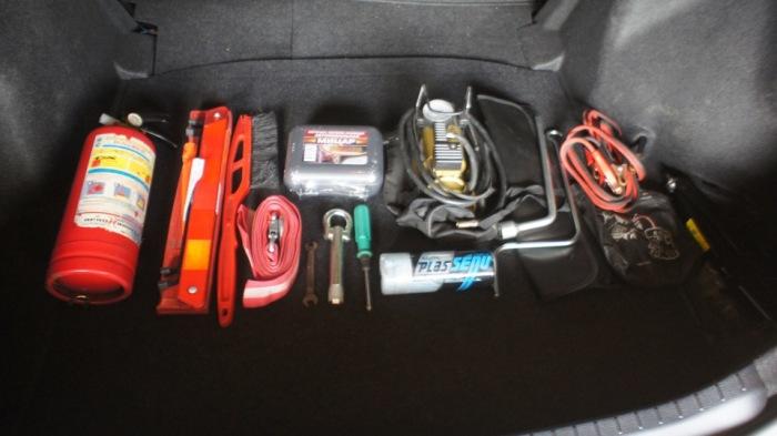 Как лучше хранить огнетушитель в машине