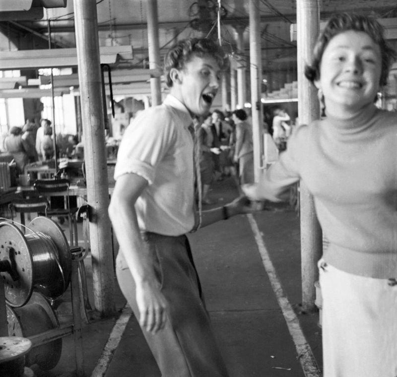 В заводских цехах Британии в послевоенные годы
