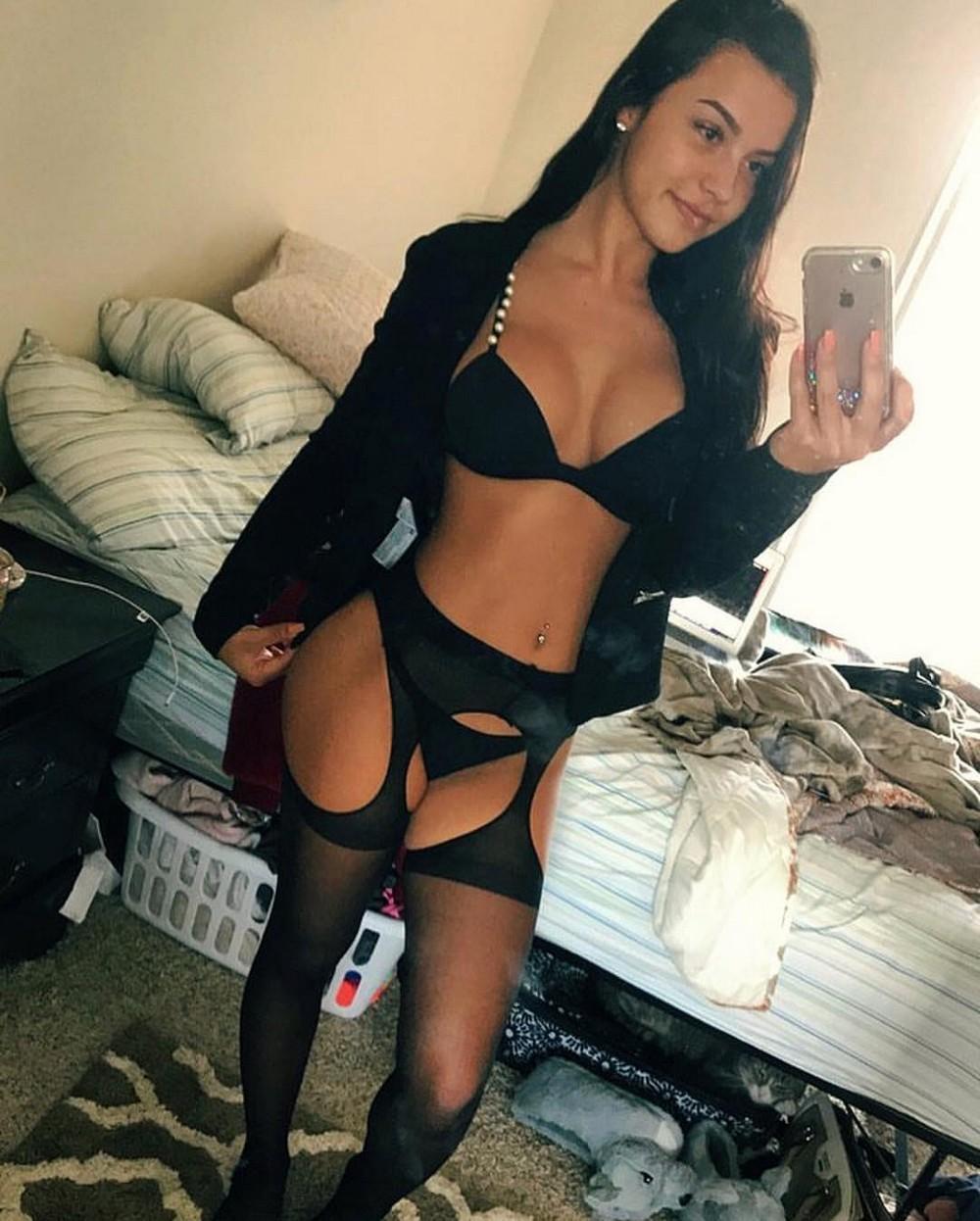 Красивые девушки в нижнем белье