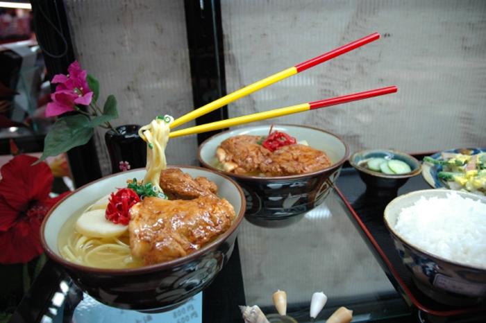Зачем японцы делают пластиковую еду