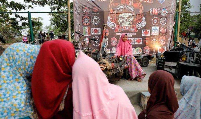 Любители кастомных байков в Индонезии