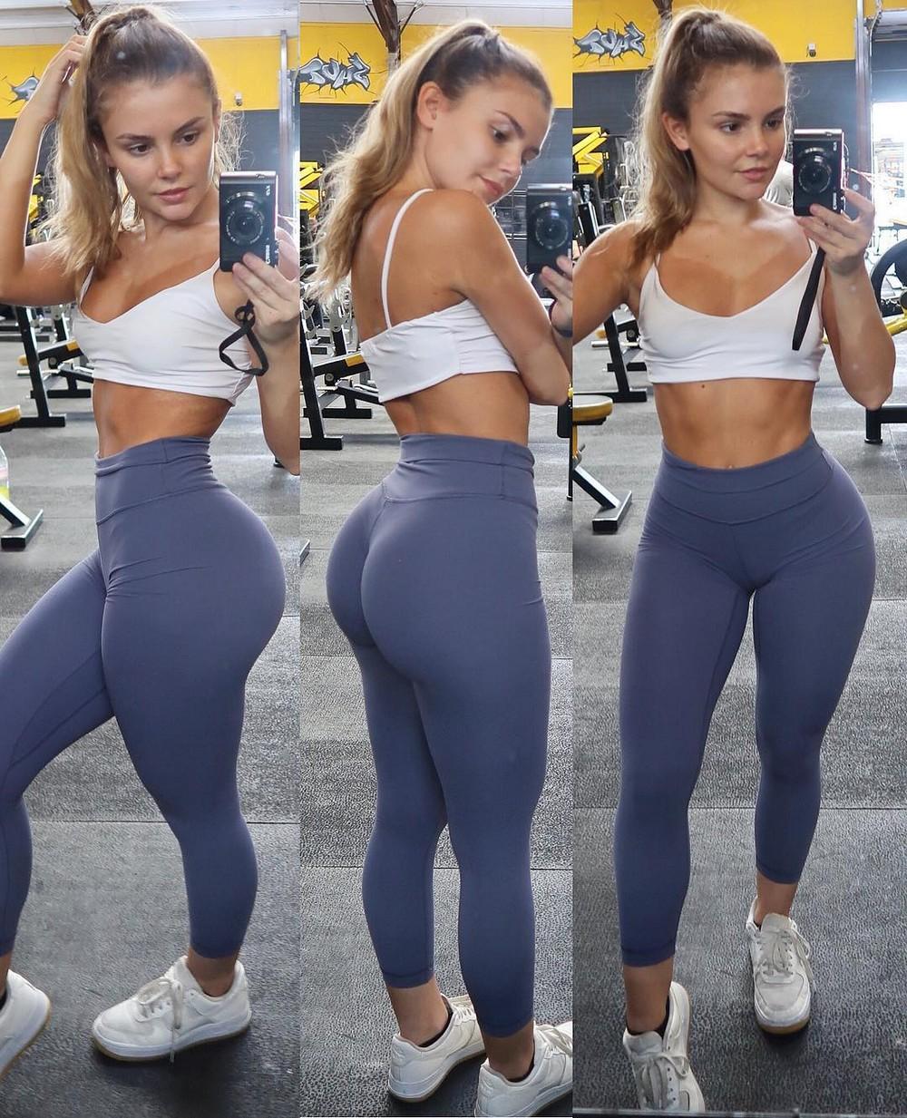 Красивые девушки в обтягивающих спортивных штанишках