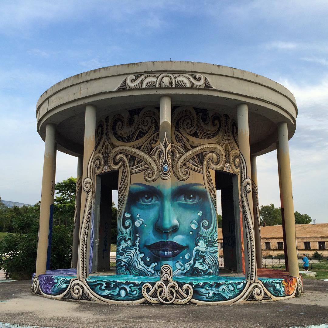 Художник превращает скучные здания Европы в интересные