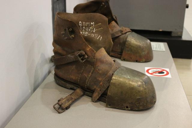 Как вы думаете, для чего использовались такие ботинки?