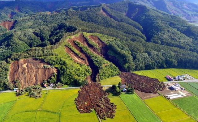 Последствия землетрясения на японском острове Хоккайдо