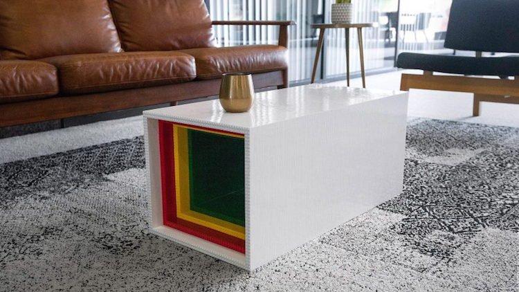 Журнальный столик из кирпичиков LEGO