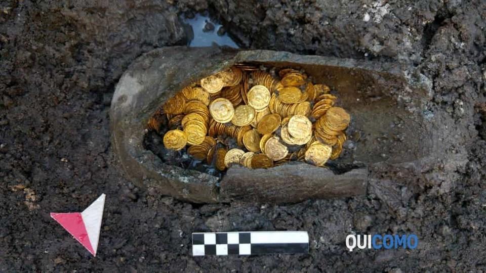 Под итальянским театром нашли золотые монеты 5-го века