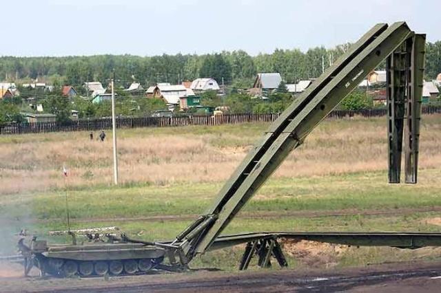 Необычная военная машина, которая выполняет важную функцию