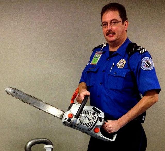 Оружие и предметы, конфискованные у пассажиров в аэропортах