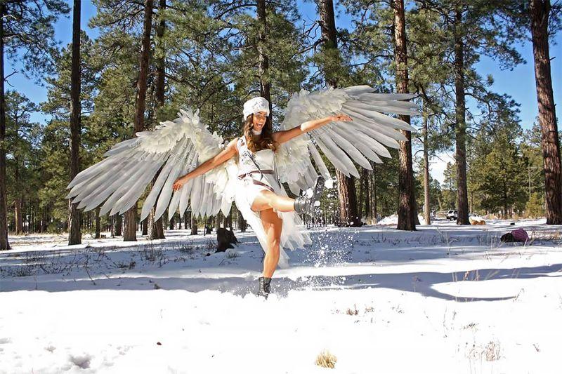 Художница создает огромные реалистичные крылья