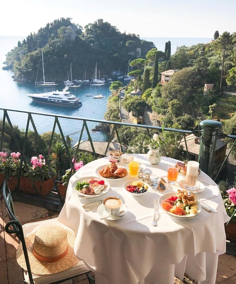 Фотографии роскошных завтраков из разных уголков мира
