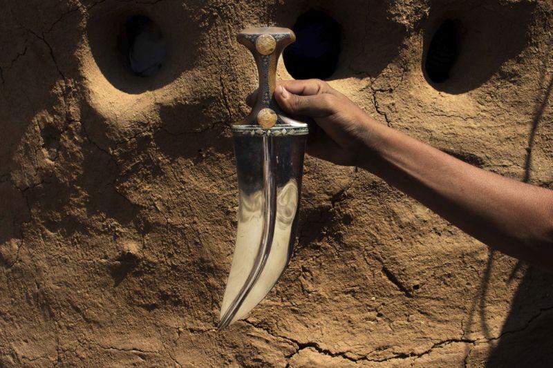Традиционные йеменские кинжалы из обломков ракет