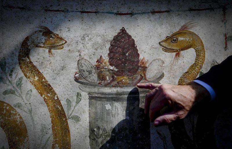 В Помпеях нашли прекрасно сохранившееся древнее святилище