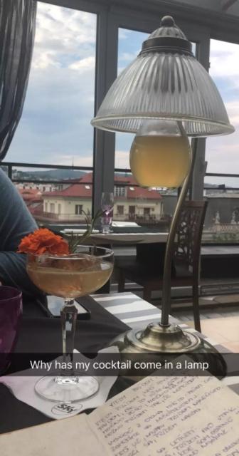 Креативная подача напитков в барах и ресторанах