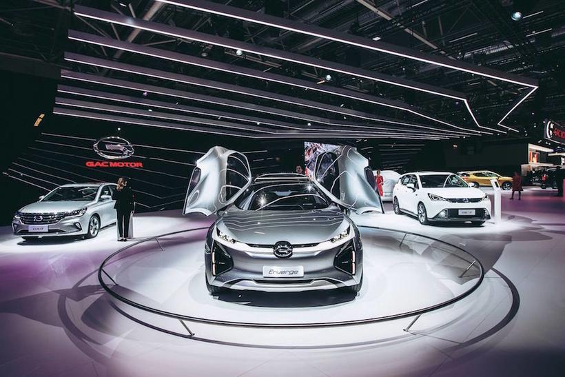 Самые интересные новинки с автосалона в Париже 2018 года