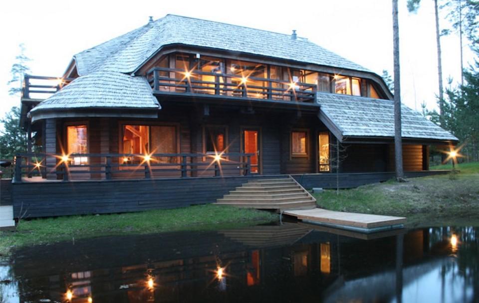Латвийская деревня, построенная миллионером