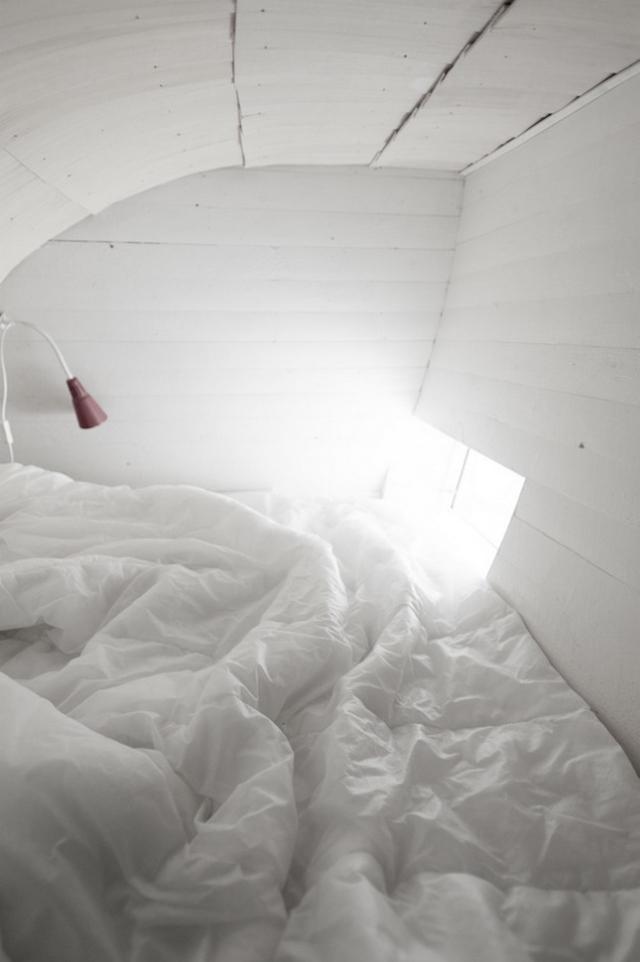 Изогнутые мини-домики от шведского архитектора