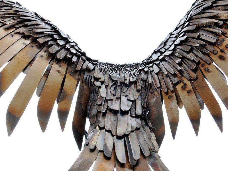Скульптуры животных и фантастических существ из металлолома