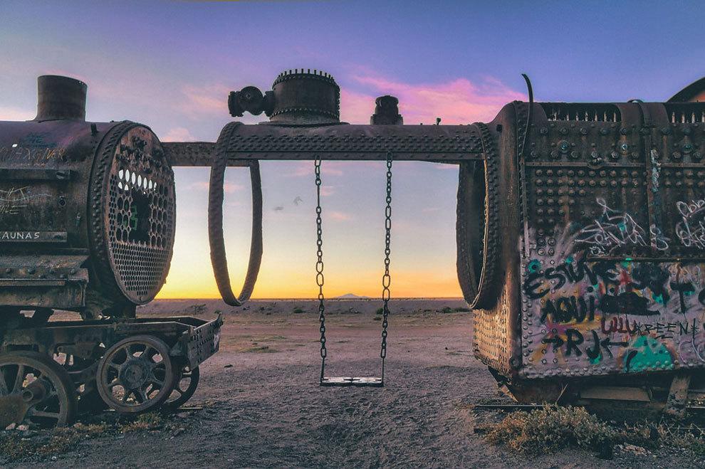 Кладбище старых поездов в Боливии