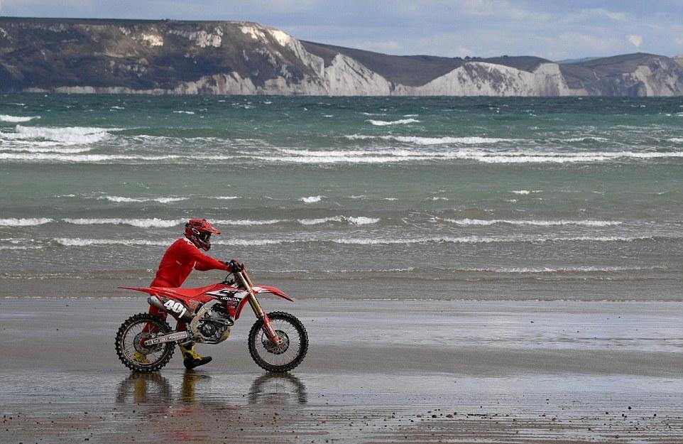 Мотокросс на пляже Уэймута