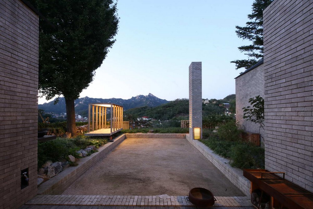 Старый дом превратили в современное жилище в Корее