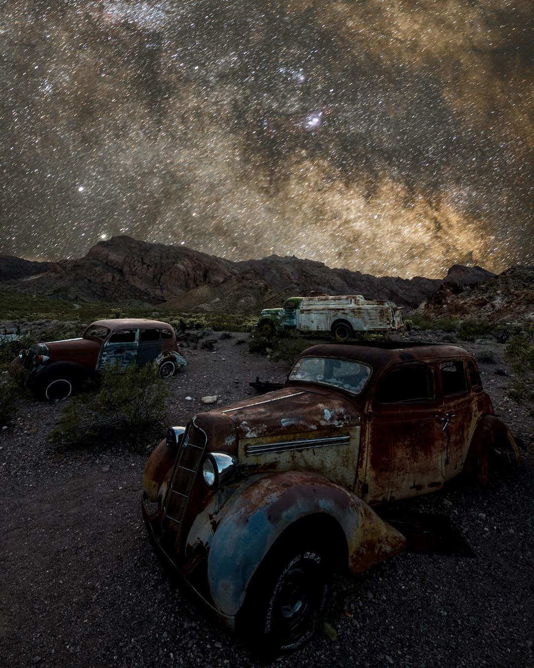 Заброшенная Америка на снимках Алекса Маккензи