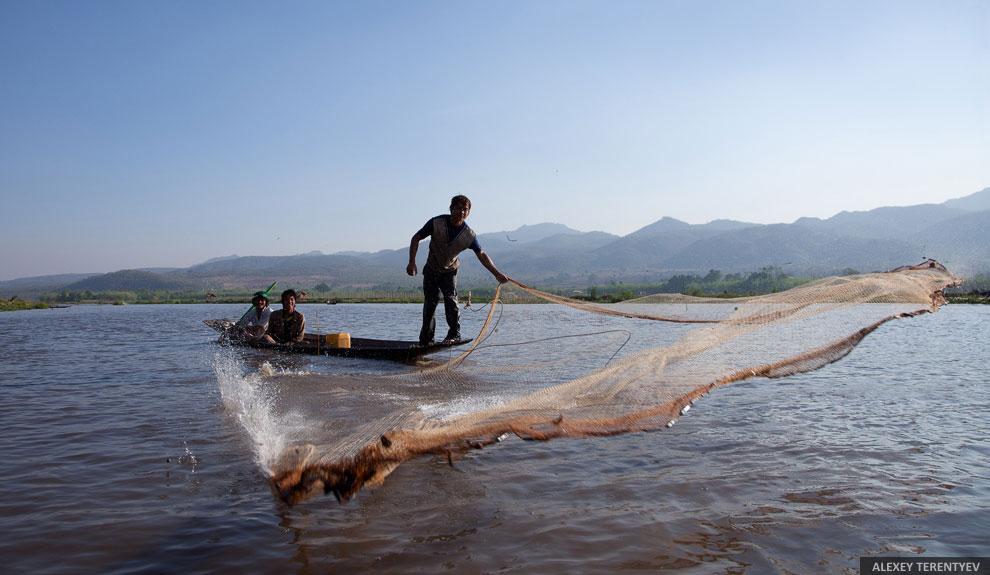 Жизнь Мьянмы на воде в фотографиях