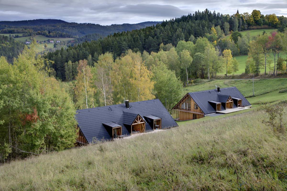 Два одинаковых дома для отдыха в Чехии