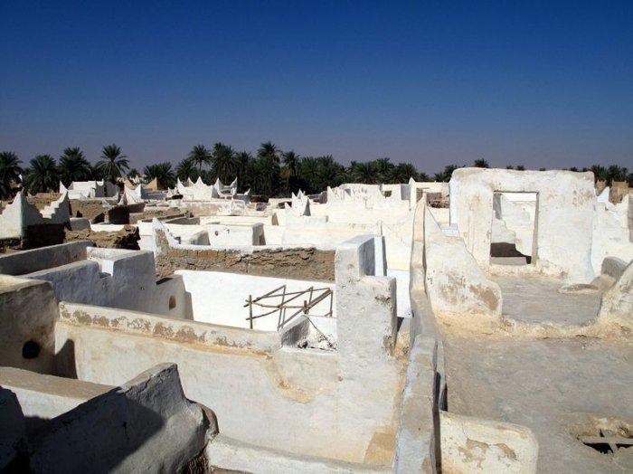 Город-оазис Гадамес в пустыне