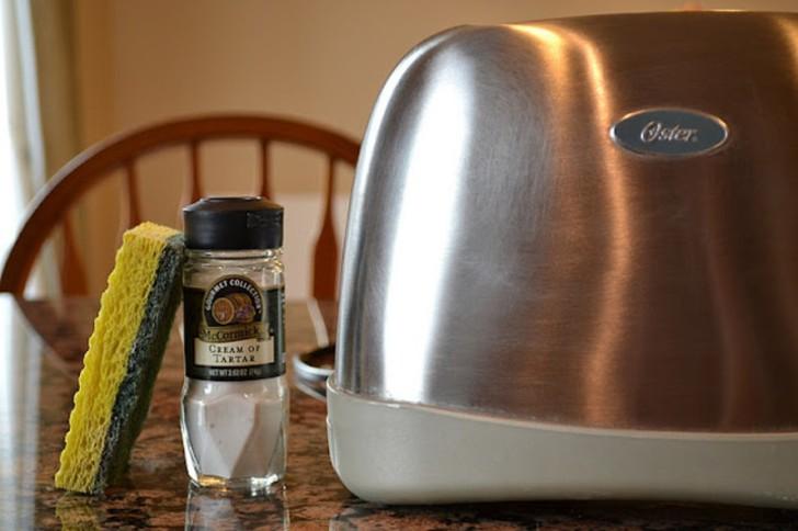 Полезные советы по чистке кухонных и ванных принадлежностей