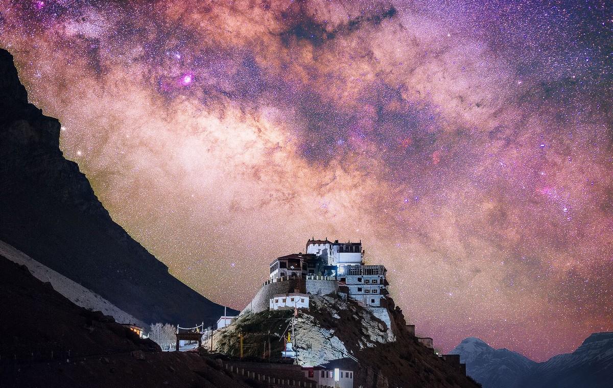 Красота звездного неба на снимках Грэя Чоу