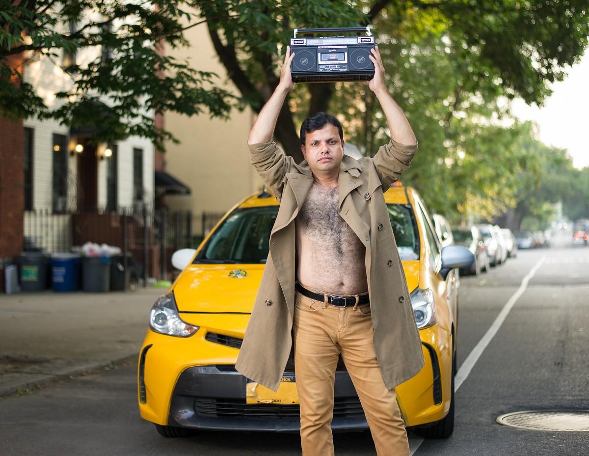 Благотворительный календарь с таксистами Нью-Йорка на 2019 год