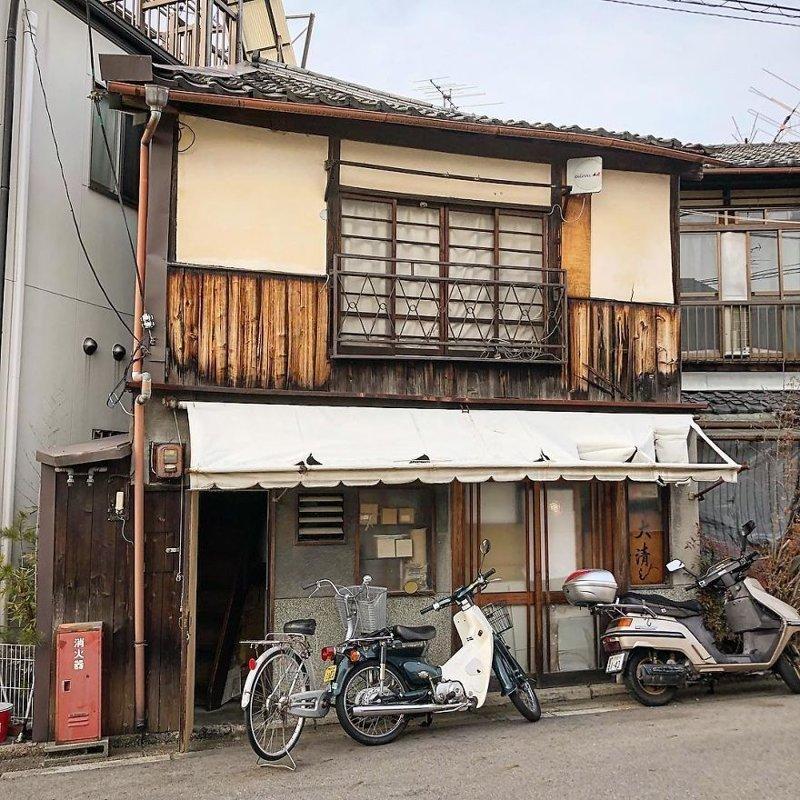 Маленькие, но очень живописные здания Киото