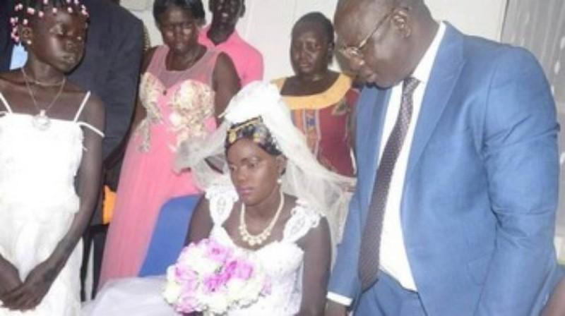 Семья из Южного Судана продала 17-летнюю дочку за коров и машины