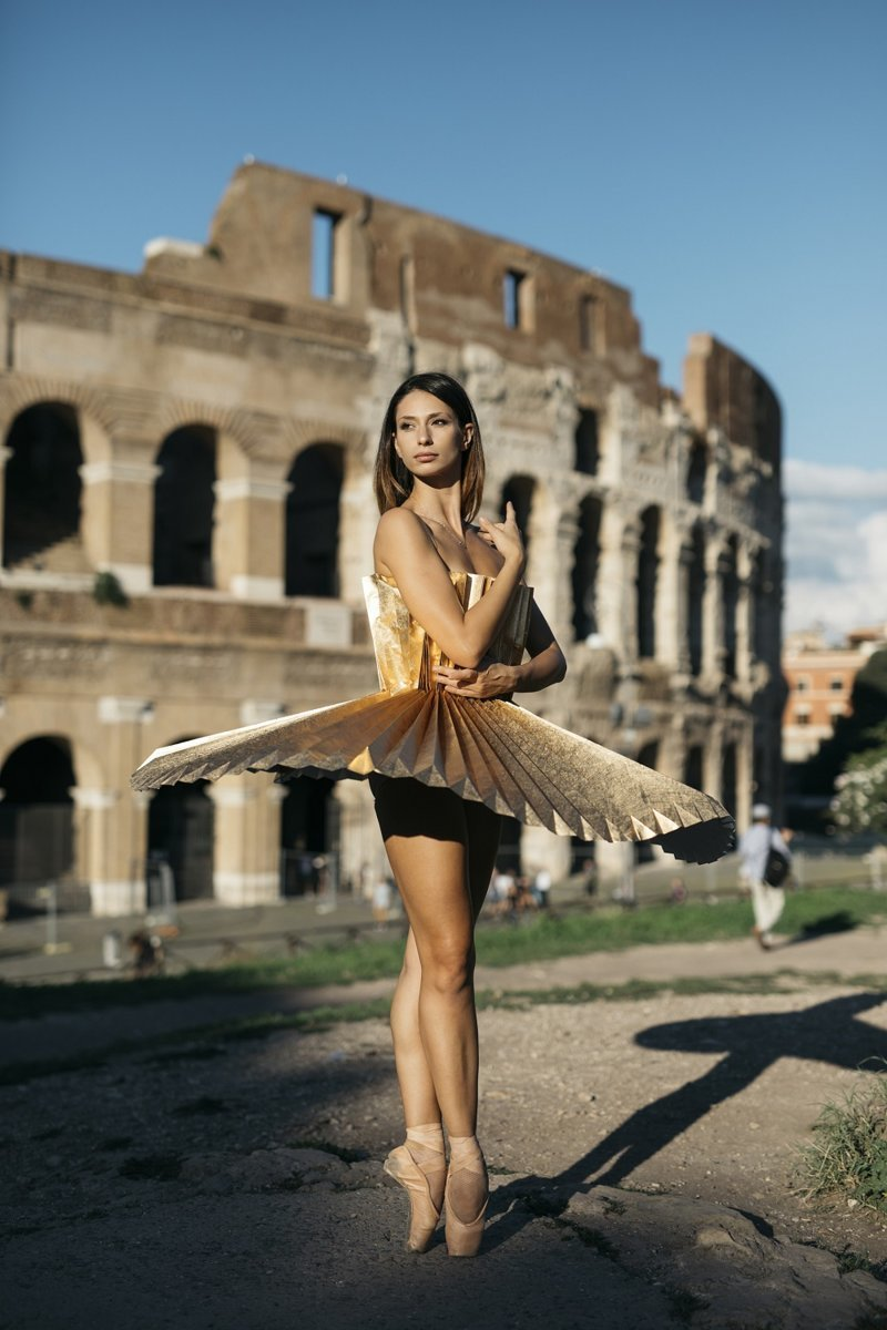 Балерины в пачках из оригами в необычном фотопроекте
