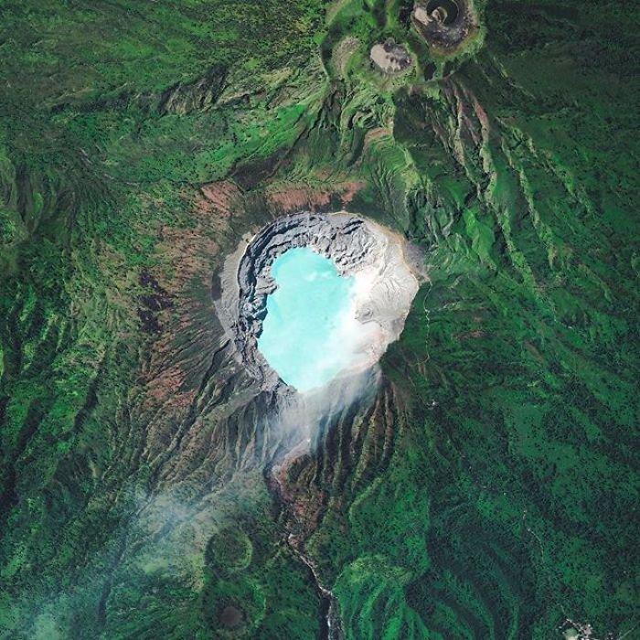 Захватывающие спутниковые снимки нашей планеты от Бенджамина Гранта