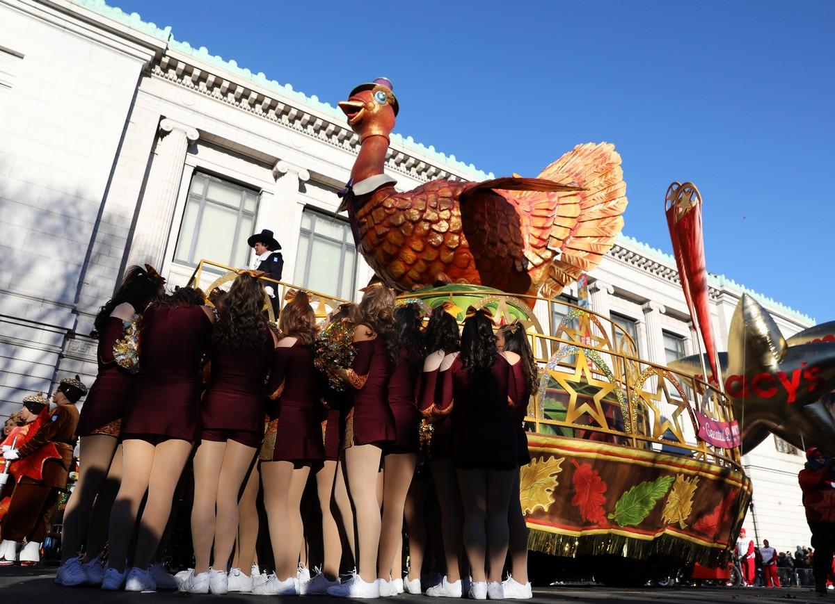 Красочный парад Мэйси в Нью-Йорке