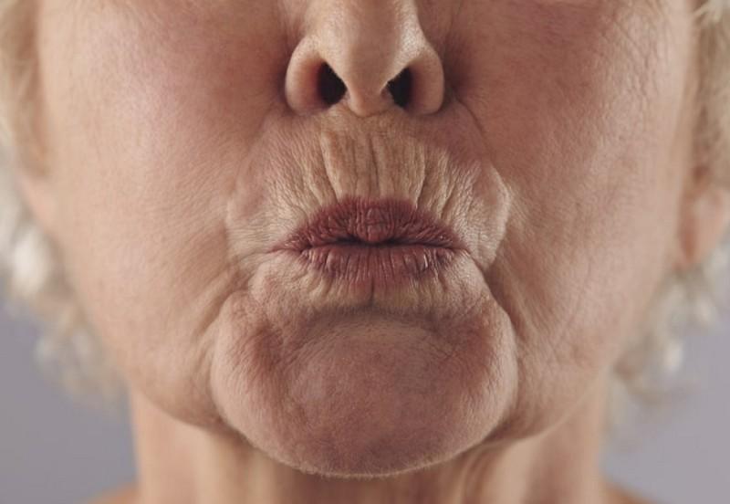 Признаки наступления старости у людей