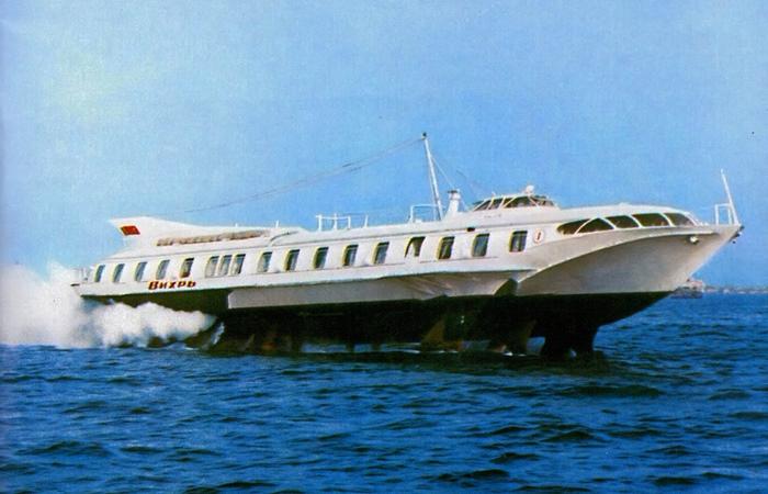 Вихрь - корабль на подводных крыльях из СССР