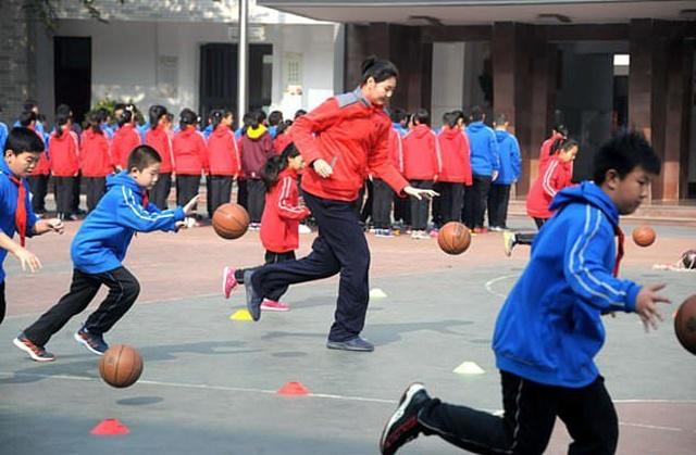 Чжан Цзыюй - самая высокая в мире 11-летняя девочка