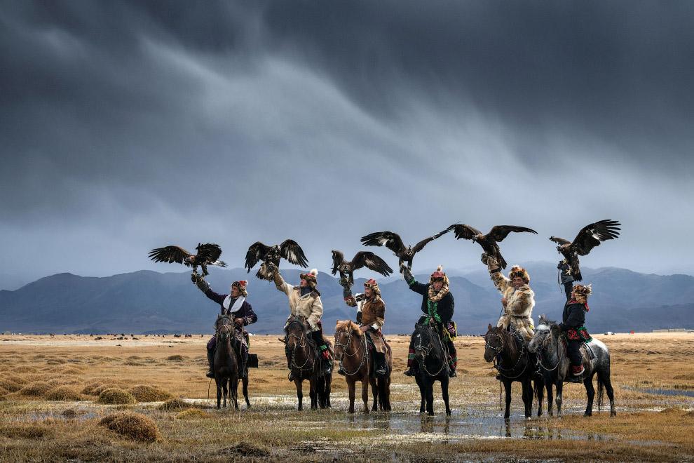 Монгольская охота с беркутом