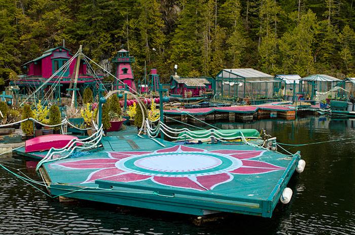 Семья из Канады построила себе собственный остров