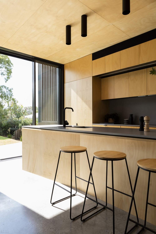 Дом с двумя лицами в пригороде Сиднея
