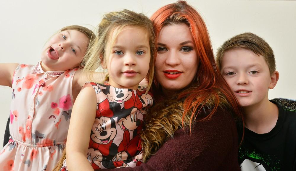 Мать-одиночка выбрала карьеру фетиш-модели