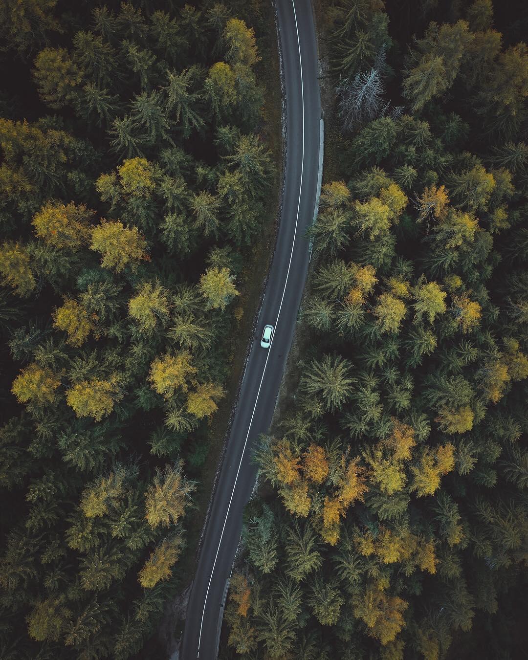 Путешествия на аэрофотоснимках Сэма Оетикера