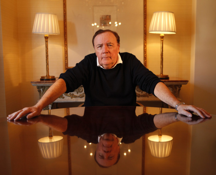 Forbes назвал самых богатых писателей года